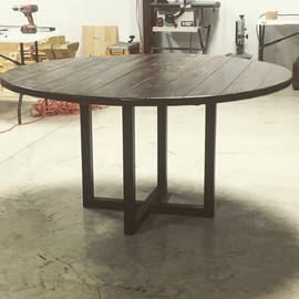 kitchen table with metal base (Hayley).J