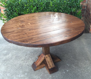 MG Intro 5 - 1st round farmhouse table (