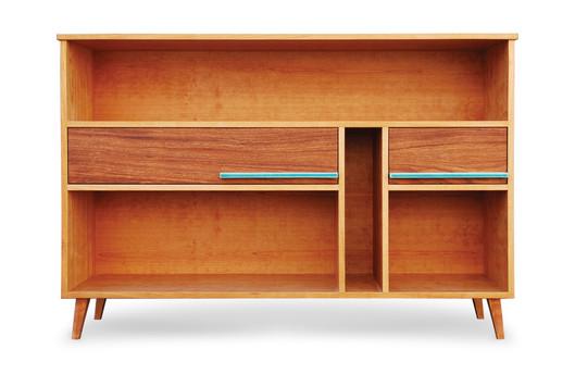 """""""Atlas Cabinet""""  kersen en keramiek. Ontworpen voor iemand die zijn geliefde Atlas een speciale plek wou geven."""