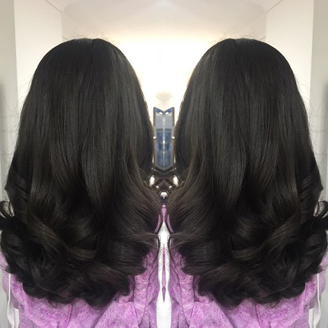 Big bouncy blow for _rachelc29 😍 another loyal client from Paul Michaels since the age of 6 💅🏼 do