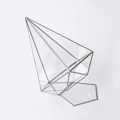Gümüş Alt Kısmı Kapaklı Geometrik Cam Prizma Fanus 26x21x21cm