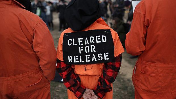 prisoner__FocusFillWzExNzAsNjU4LCJ5Iiw2M