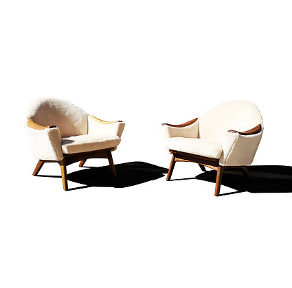A pair MCM - lounge chairs by Adrian Pearsall for Craft associate
