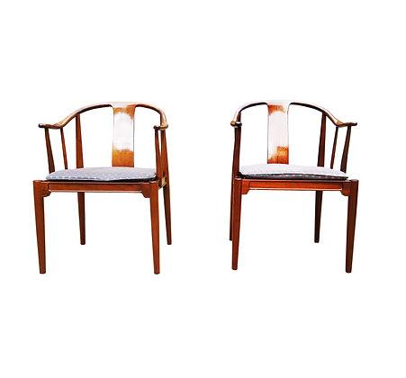 Authentic pair of Hans Wegner Danish mid century modern China chair - FH4283 Fri
