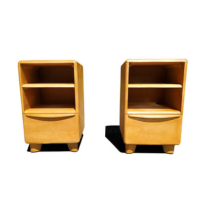 A pair of mid-century modern - vintage nightstands -  by Heywood Wakefield