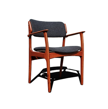 An Erik Buch danish mid-century modern dining chair model 49
