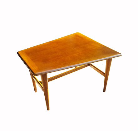 Scandinavian mid-century modern side table / coffee table