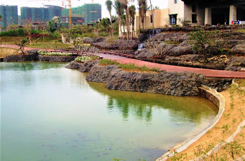 Jian Lake Blue Bay Golf Course     - Hainan China