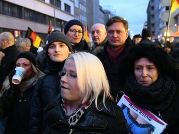 Strafanzeigen gegen Tas, Schmidberger und gewalttätige Demonstranten