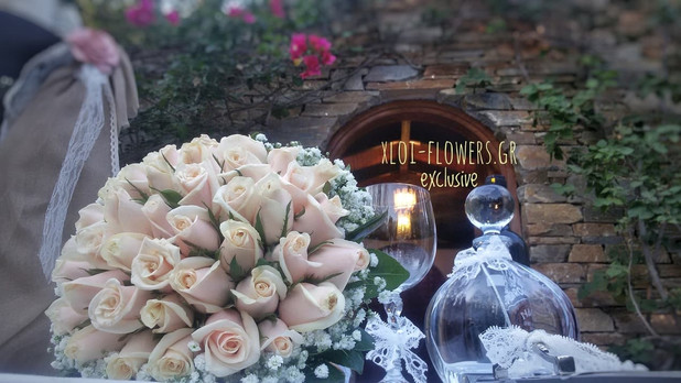 roses-bouquet σε σομόν αποχρώσεις