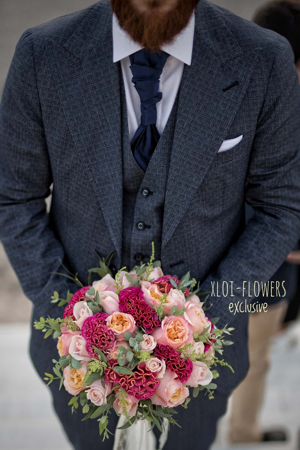 bridal bouquet με τσελόζιες και David Austin τριαντάφυλλα