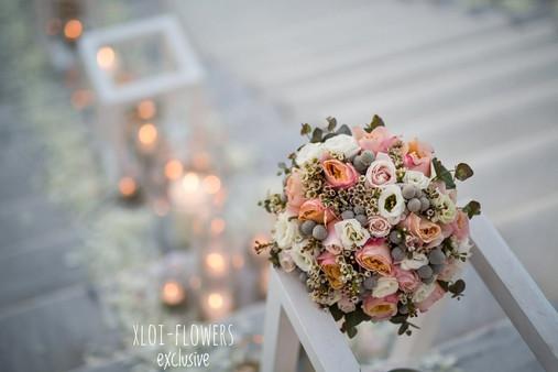 Chic - elegance bouquet με σομον τριαντάφυλλα David Austin και λυσίανθους