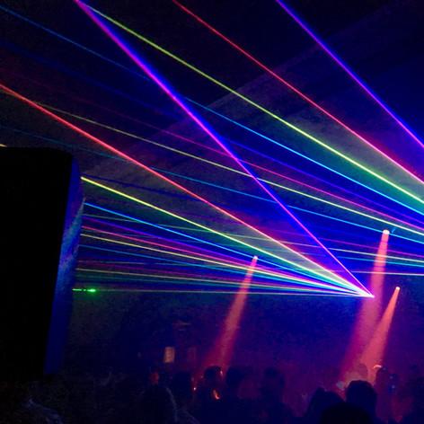 Lasershow met DJ Decona