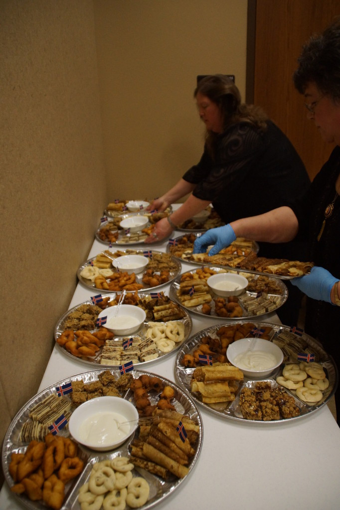 Abrahamson´s and LOTS of helpers get the Þorrablót dessert trays ready.<br /> Photo by Shirley J Olgeirson
