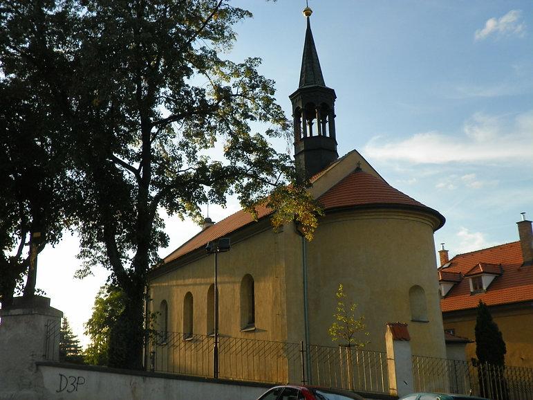 Kostel_Stětí_svatého_Jana_Křtitele,_Prah
