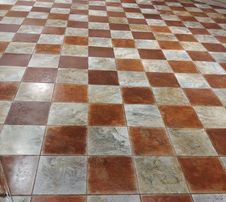 Floor after yellow glaze and dirtying and ageing