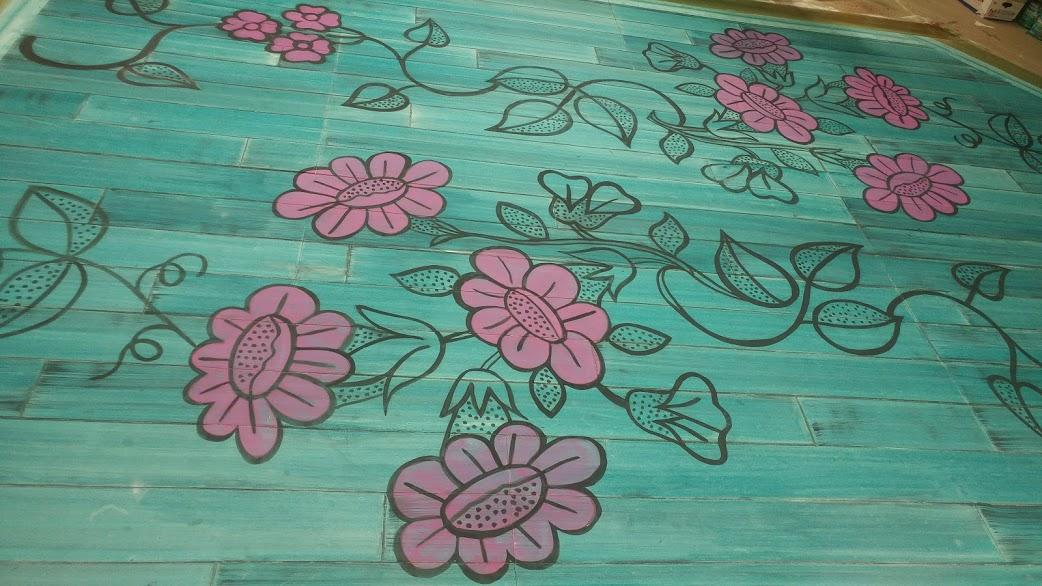 Main floor floral detail