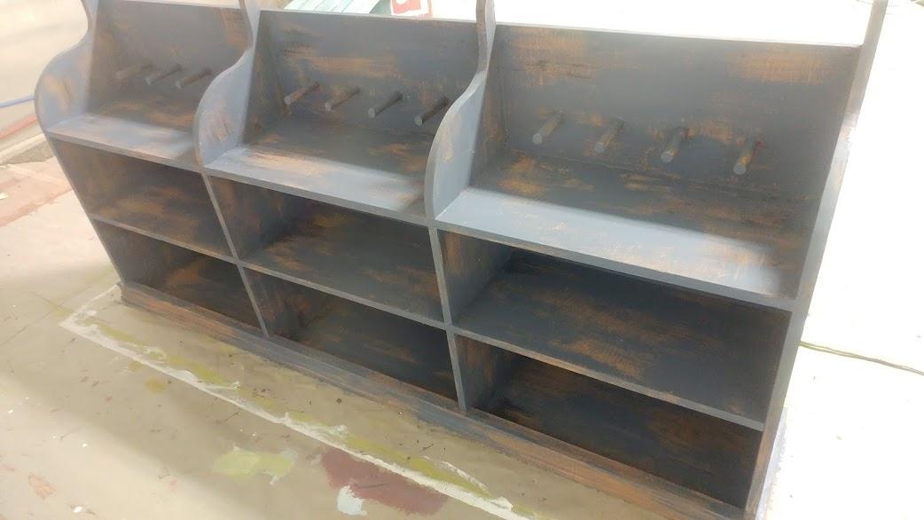 Hanging shelf unit