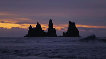 Iceland - Black beach waves.mp4