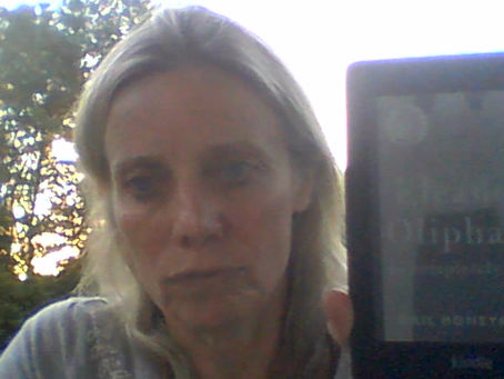 """Leanne's Book Time Vlog:  """"Eleanor Oliphant Is Completely Fine: A Novel"""" by Gail Honeyman"""