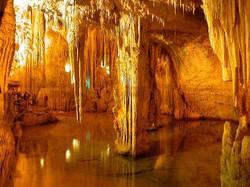 1386784537_Grotte_di_Frasassi_03