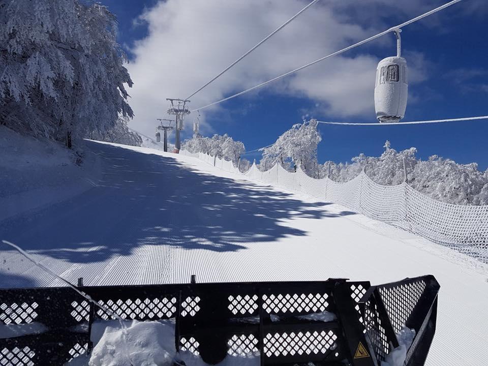 sneeuw op de monte catria