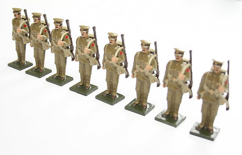 Set 72, WWI Troops, in peak cap, at attention, rifle over shoulder.