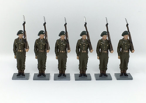 Set 214 - British Army in battledress, standing