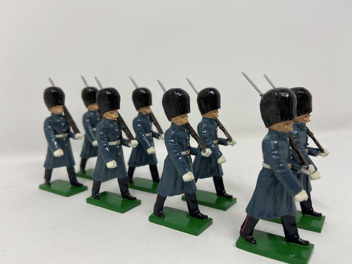 Set 18 - Scots Guards (Great Coats) Marching at Slope