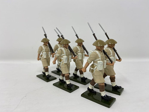 Set 126 - Scots Guards, Desert Campaign in tin helmets at march