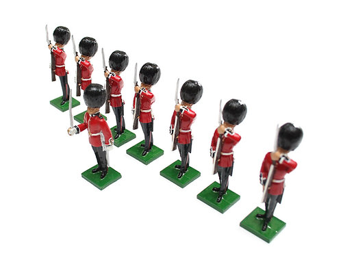 Set 3 - Scots Guards, 1 Officer, 7 Guardsmen rifles at present.