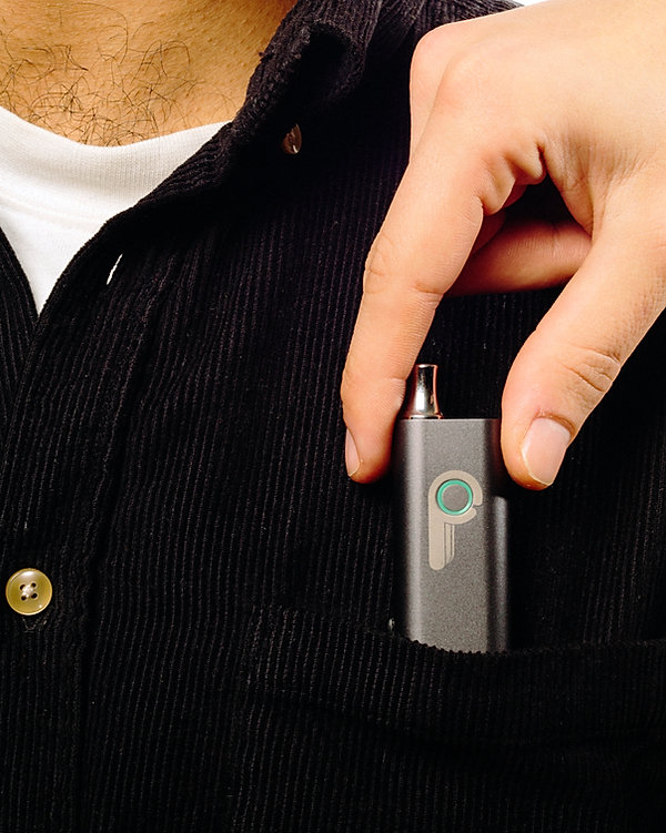 pinch vaporizer pocket, pinch vaporizer, pinch vape, vaporizer, iphone vape, iphone vaporizer, charge vape from phone, charge vaporizer from phone, iphone charge vape, iphone charge vaporizer, best vaporizer, thc vape, cbd vape, thc vaporizer, cbd vaporizer, small vaporizer, small vape