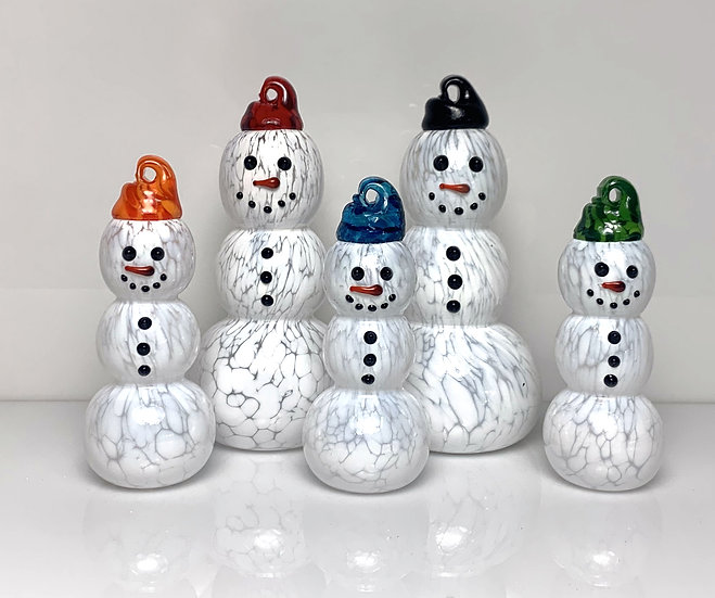 Standing Snowmen Family