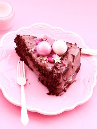 עוגת אילסרים (אגוזי לוז) עם עולש ושוקולד מריר ללא גלוטן