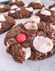 עוגיות שוקולד מרשמלו מקמח שיבולת שועל ועדשים שהילדים נמסים מהן / גם ורסיה טבעונית