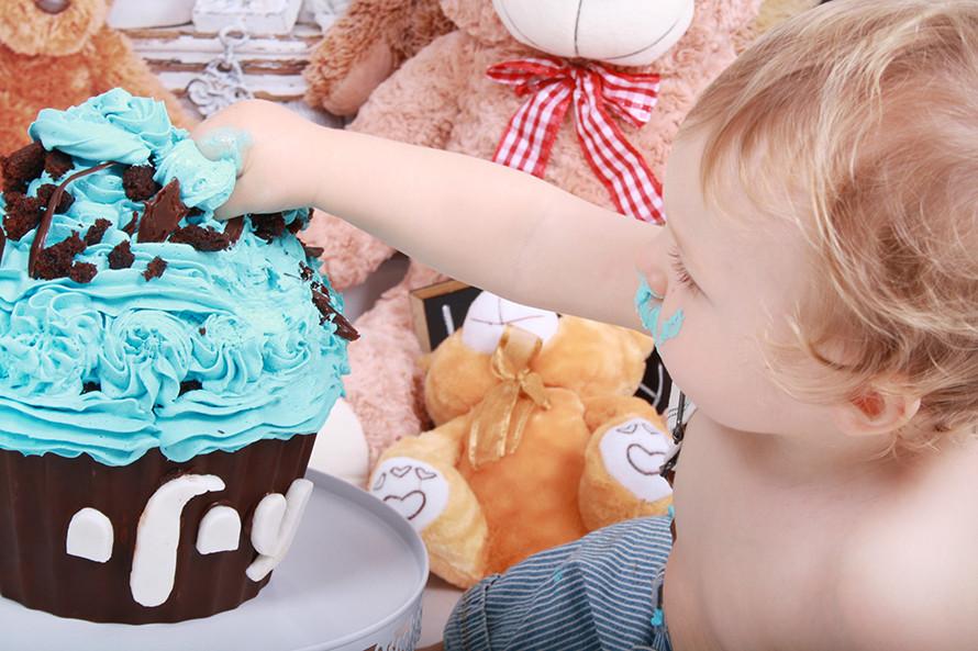 עוגת יומולדת שוקולד מקמח שיפון או כוסמין