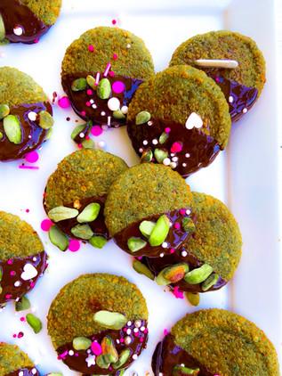 עוגיות פיסטוק איטלקיות עם שוקולד מריר