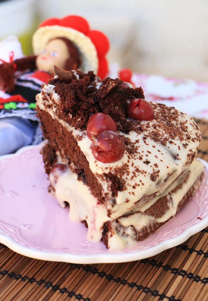 עוגת שוקולד דובדבנים