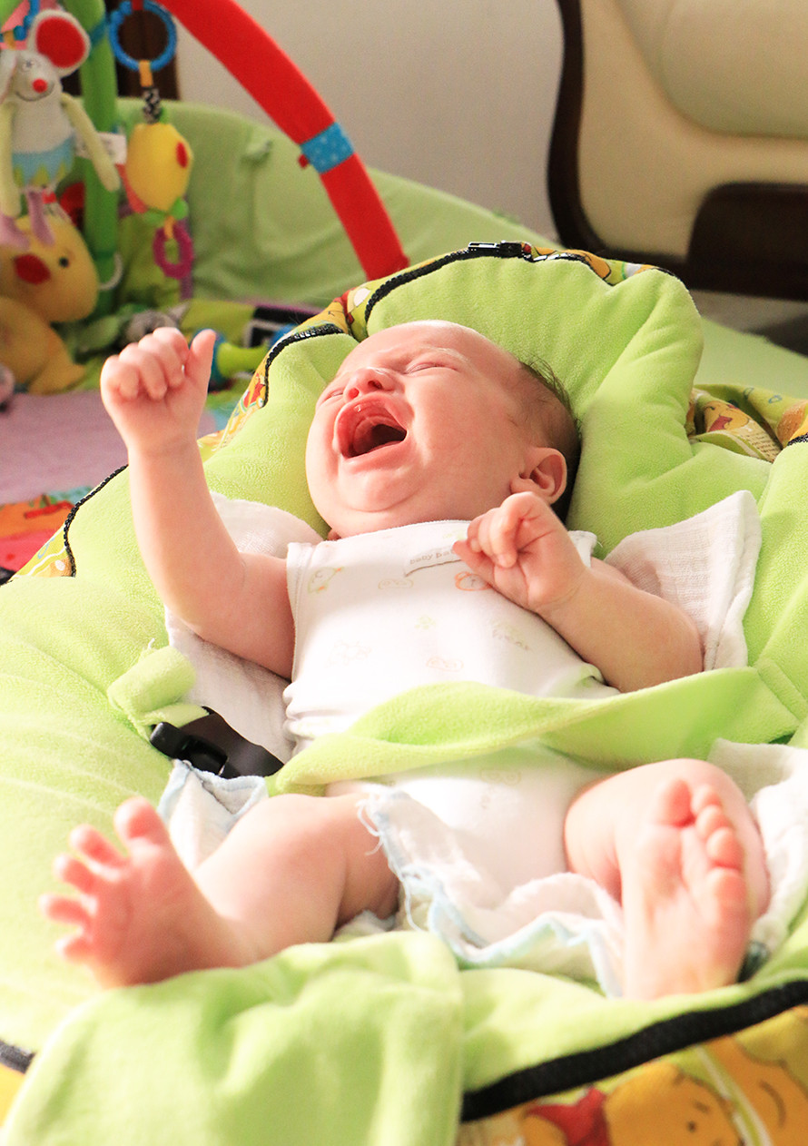 בכי של תינוק כן לתת לבכות או לא?