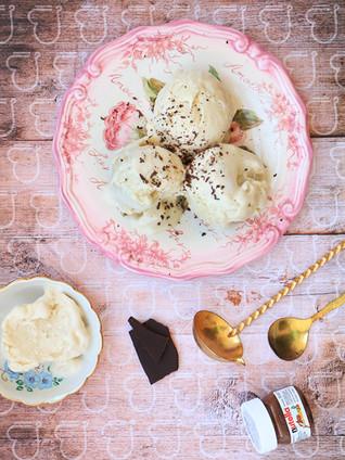 גלידה אספרסו טבעונית עם קרם קוקוס