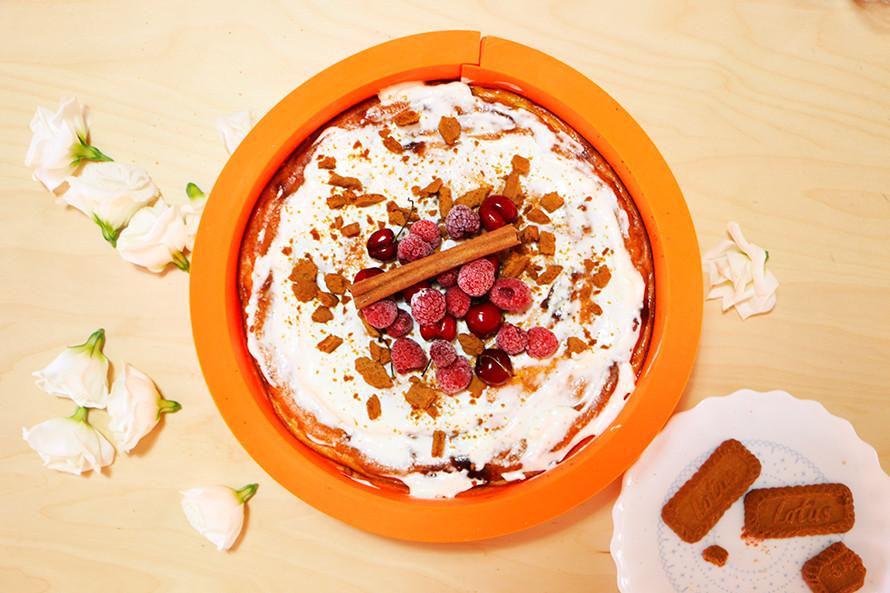 קינוח גבינה ולוטוס ושוקולד לבן