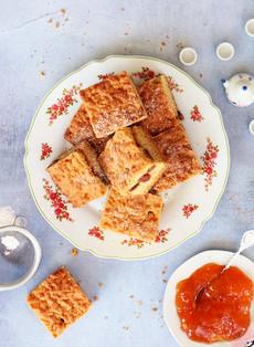 עוגת פירורים וריבה הונגרית