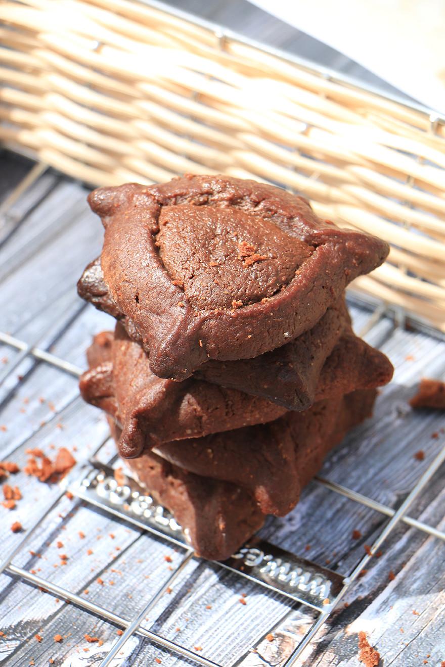 אזני המן בריאים עם מילוי שוקולד