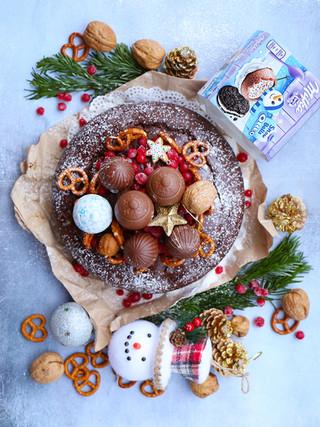 עוגת ג׳ינג׳רברד שוקולד ופירות יבשים