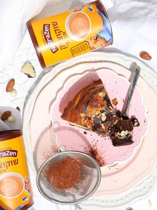 בראוניז חיטה מלאה וגבינת מסקרפונה, עם שוקולד לבן