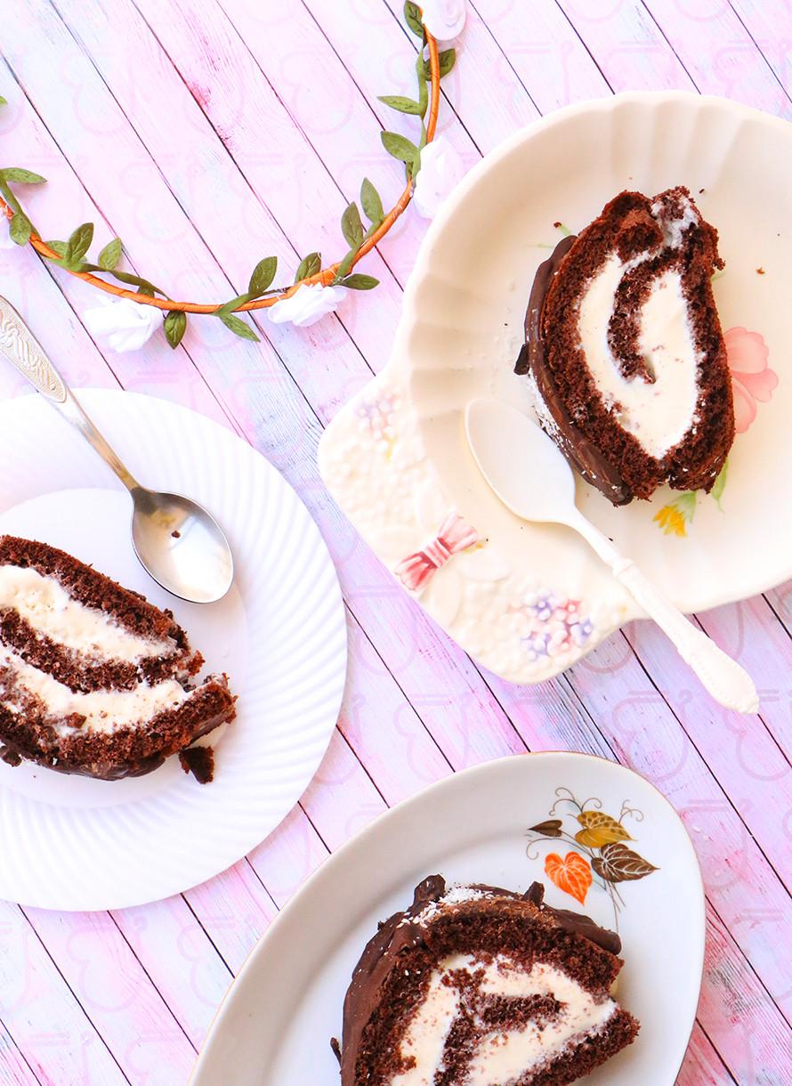 עוגת גלידה לשבועות ושוקולד חם
