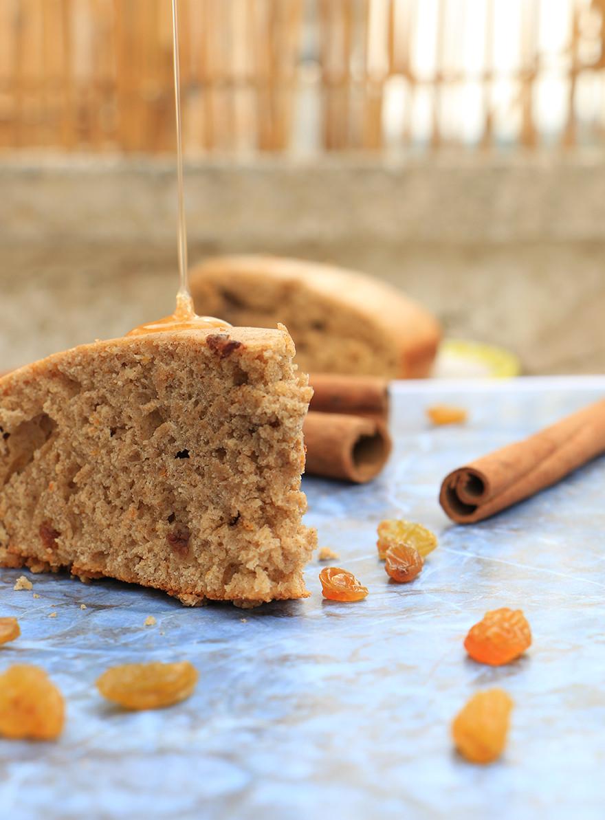 Honey cake with spelt flour