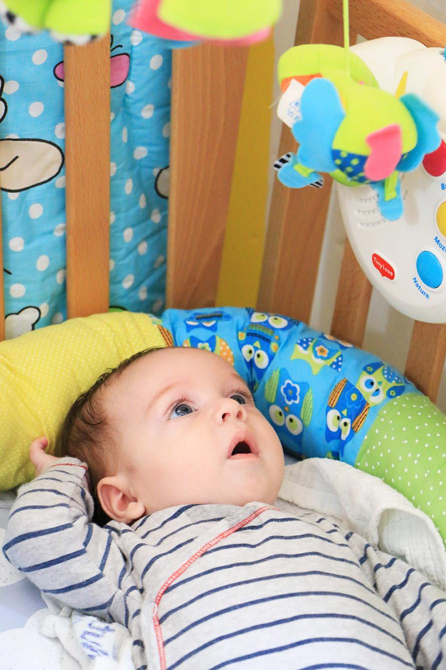 איך תינוק מעביר את רוב היום