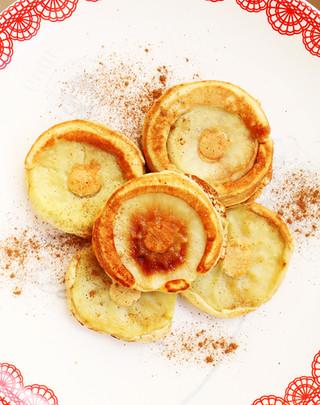 פנקייק תפוחים מקמח אפונה צהובה