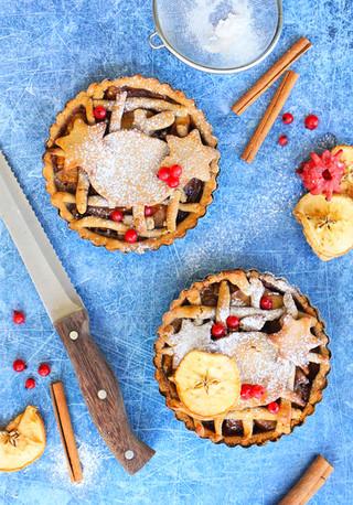 פאי תפוחים מקורמלים עם סוכר קוקוס מקמח שקדים / אגוז הנמר ללא גלוטן וטבעוני